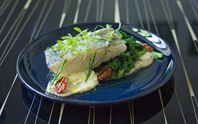 Bacalhau, grelos e puré de grão