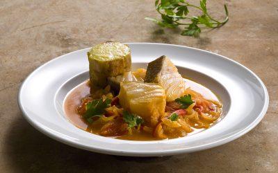 Caldeirada de Bacalhau, batata-doce assada e folhas de salsa